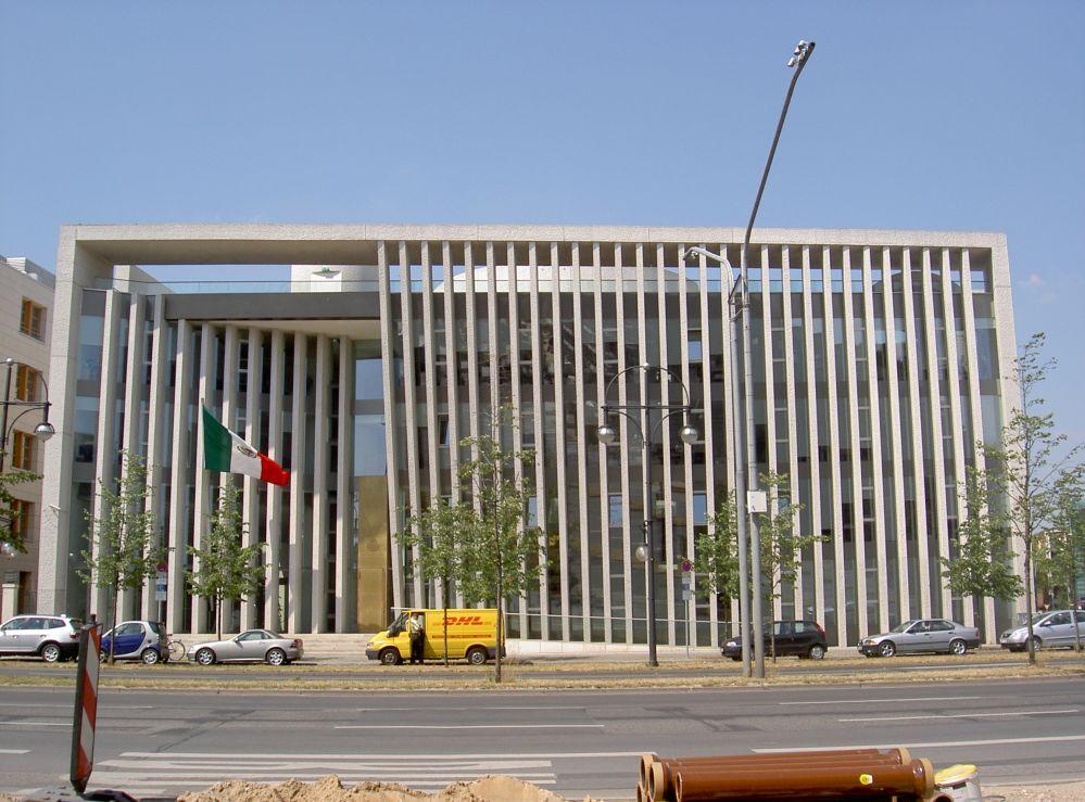 http://www.veran.net/grandes_photos/voyages/berlin-moderne/PICT4209.ambassade-mexique-berlin.jpg