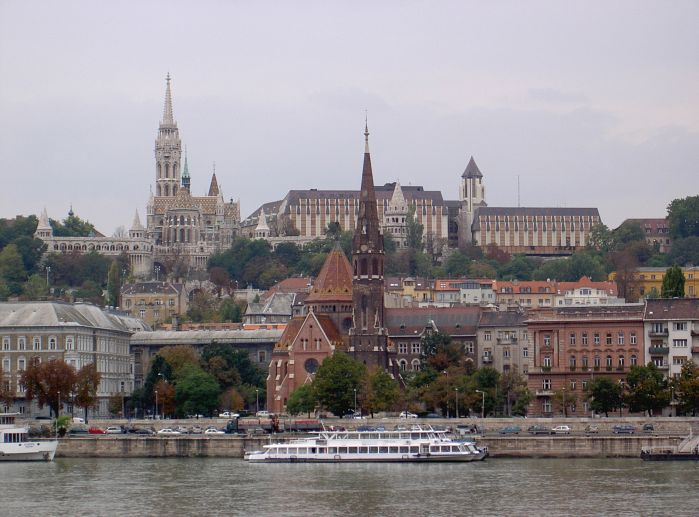 http://www.veran.net/grandes_photos/voyages/budapest_hongrie/PICT3150.budapest.jpg